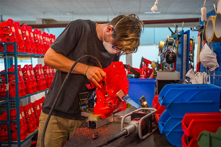 ATOMIC本社が認めたブーツフィッティング技術やシェル加工を提供